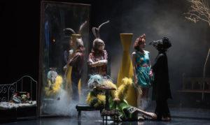 Lewis versus Alice | S'aventurer dans le plaisir du nonsense @ Théâtre La Criée